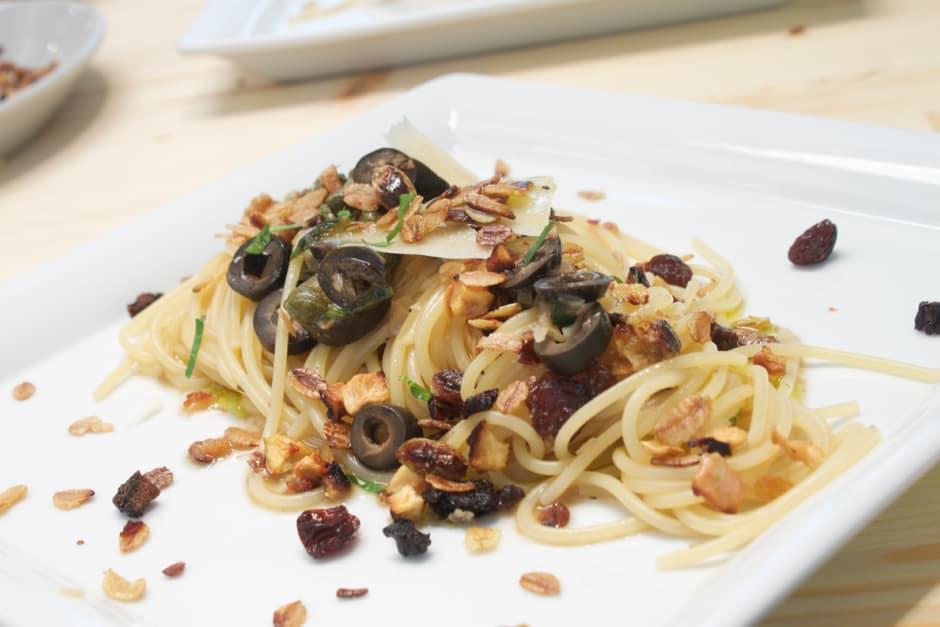 """Spaghetti with Granola - delicious """"organic"""" Spaghetti"""