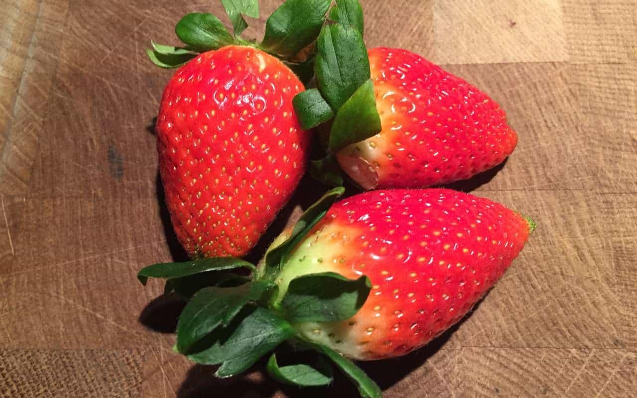 Erdbeeren für den leckeren, einfachen Erdbeerkuchen.
