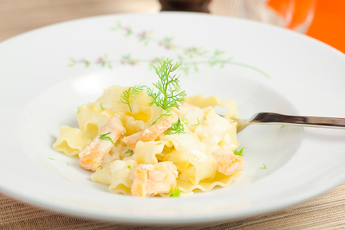 salmon noodles with cream