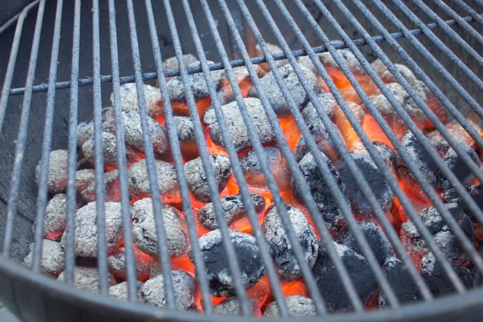 glowing, white coal, the optimal moment to grill.