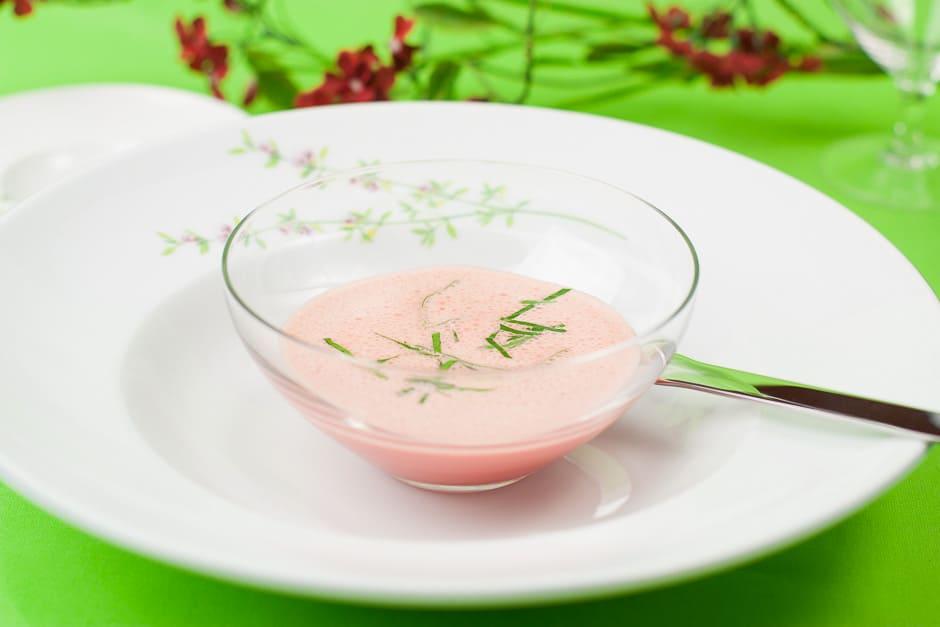 beetroot soup enriched in peeling, beetroot soup foam soup