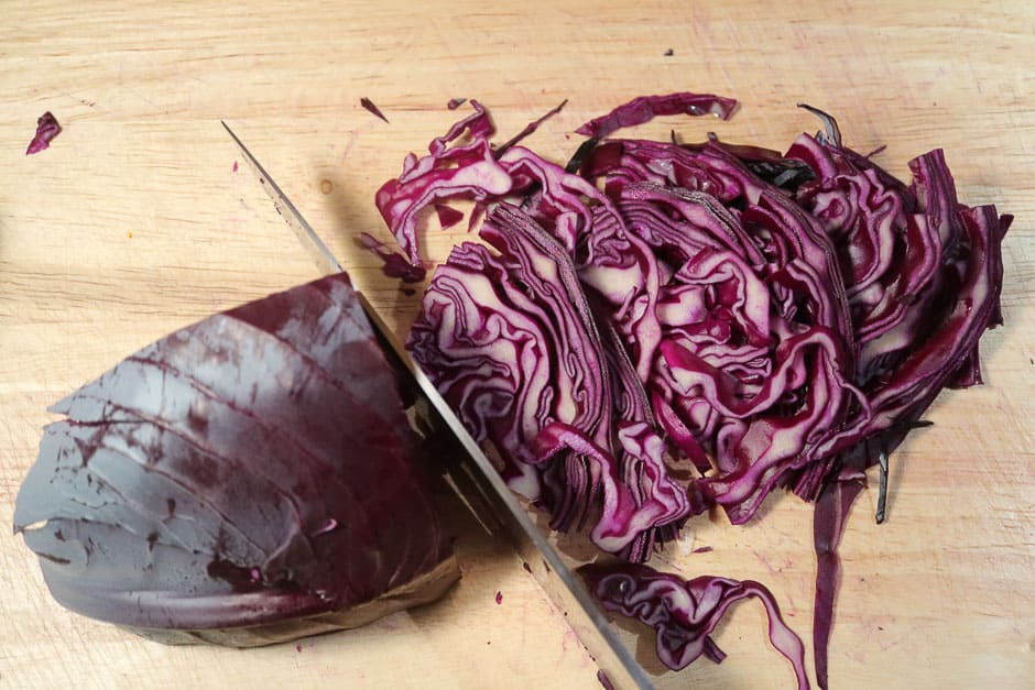 finely chopped blue cabbage (red cabbage)