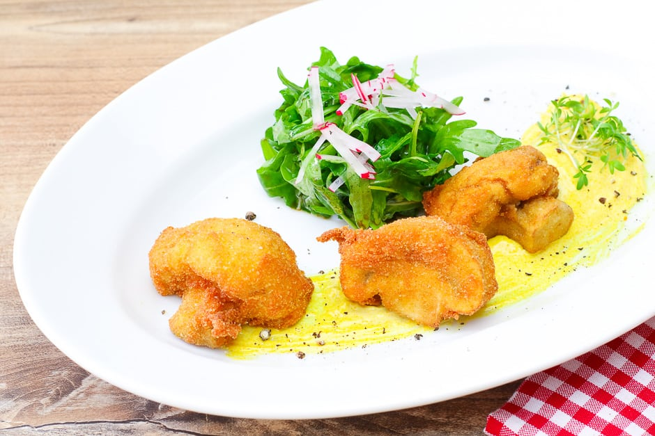 breaded mushrooms with salad
