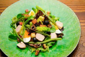 Salade Nicoise angerichtet