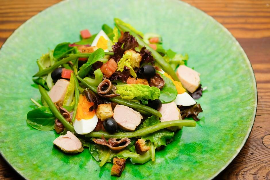 Salade Nicoise served