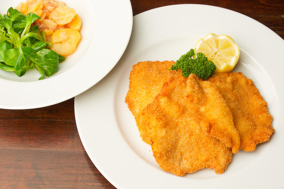 Breaded schnitzel picture for article and instructions.