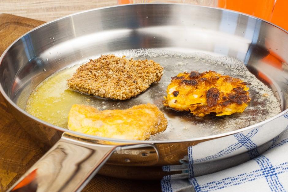 Prepare the schnitzel Parisian style.