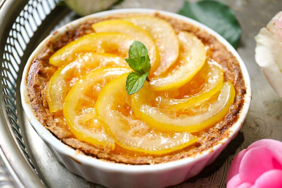 Lemon tart with shortcrust pastry
