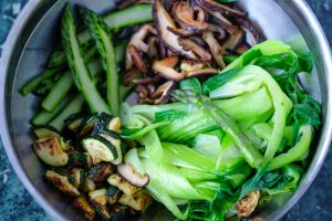Gemüse für Reisnudelsalat