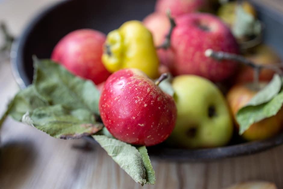 Äpfel in der Schale